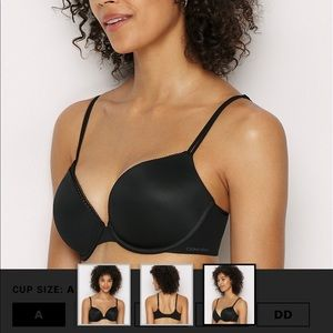 🏷Calvin Klein Liquid Touch Plunge Push Up Bra